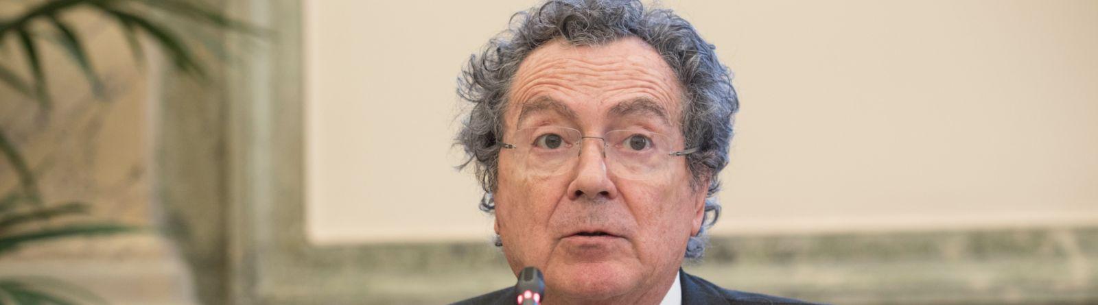 Gros-Pietro: le banche si impegnino per la transizione industriale