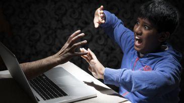 Facile.it: polizze contro il cyberbullismo, un affare da 100 milioni l'anno